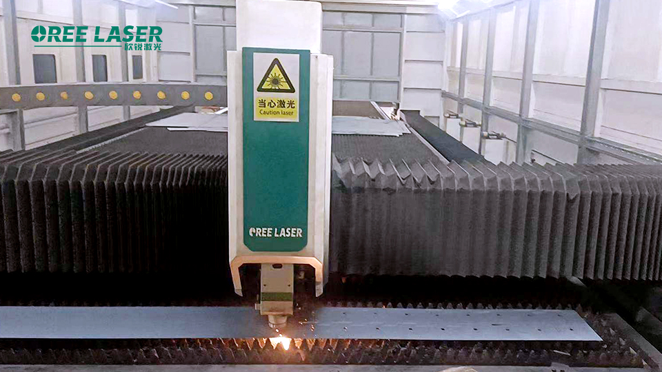 oreelaser هي شركة محترفة لتصنيع آلات القطع بليزر الألياف ، وتركز بشكل أساسي على آلة قطع ألياف الليزر ، وآلة قطع المعادن ، وآلة القطع بالليزر.