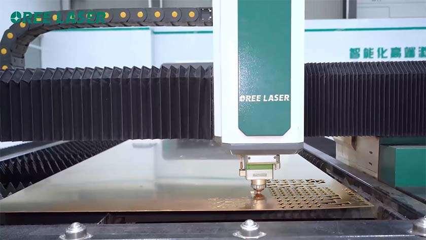 ما هي العوامل التي تؤثر على جودة معالجة آلات القطع بالليزر؟